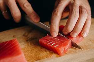 Knife Safety in Commercial Kitchens, Catering and Food Processing